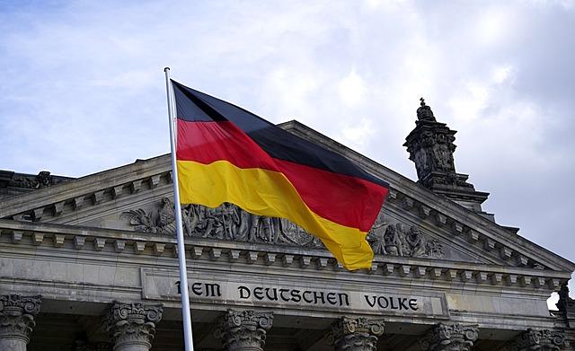 A német parlament épülete Berlinben.
