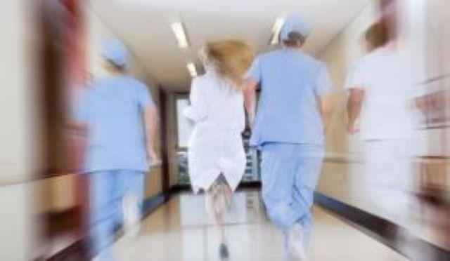 Ingyen utazhatnak az egészségügyi dolgozók