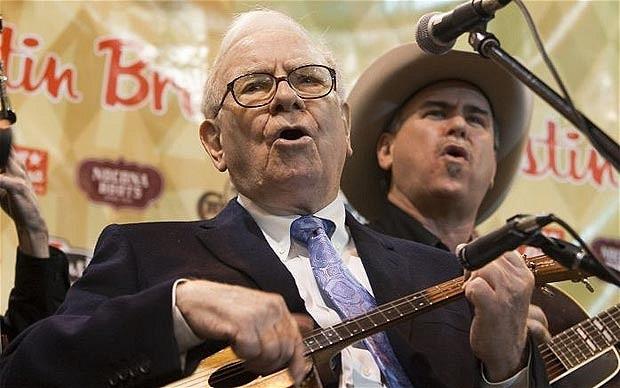Warren Buffet és hű bendzsója. Forrás: Flickr
