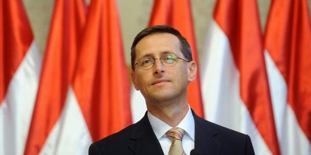 Varga Mihály: a Nádor térre vagy a Szabadság térre költözik?
