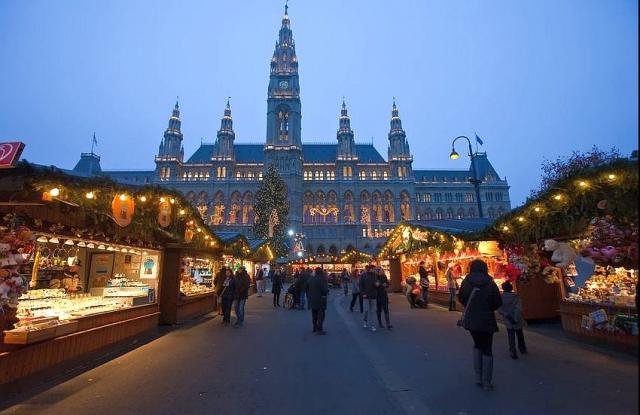Bécsi karácsonyi vásár (Fotó: Wikimedia Commons)