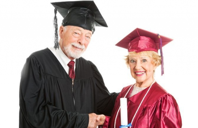 Image credit: <a href='http://www.123rf.com/photo_14431146_senior-woman-receives-her-diploma-at-graduation-ceremony--isolated-on-white.html'>lisafx / 123RF Stock Photo</a>