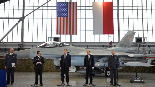 A 250 millió dolláros megállapodás ceremóniája tavaly decemberben (AP Photo/Alik Keplicz)