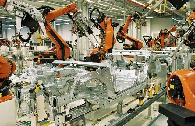 Robotizált BMW-gyártósor Lipcsében (fotó: Wikipedia)
