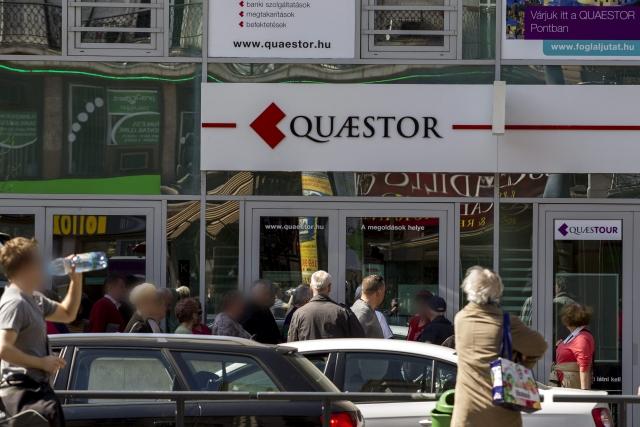 Toronymagasan a Quaestor után kell a legtöbbet fizetni. MTI Fotó: Szigetváry Zsolt