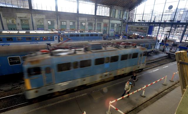 A Nyugati pályaudvaron. MTI Fotó: Máthé Zoltán