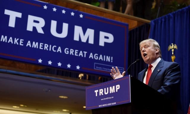 Donald Trump bejelenti, hogy beszáll a Republikánus Párt hivatalos elnökjelöltségéért folytatott küzdelembe 2015. június 16-án New Yorkban. (MTI/EPA/Justin Lane)