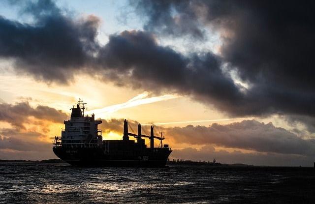 Nő a feszültség: erős szövetség születhet a megtámadott olajtankerek miatt