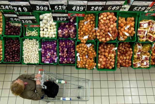 20 tonna zöldséget foglalt ak le az ellenőrök. MTI Fotó: Kollányi Péter
