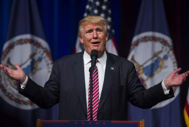 Donald Trump republikánus párti elnökjelölt kampánygyűlésén beszél a Virginia állambeli Ashburnben 2016. augusztus 2-án. (MTI/EPA/Jim Lo Scalzo)