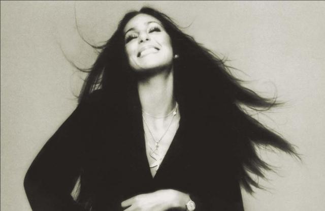 Cher 70 évesen visszatér