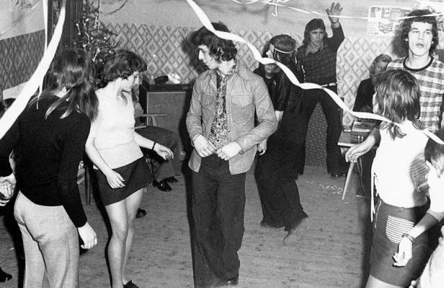 Szilveszteri házibuli 1973-ban. Fotó: Fortepan / Erky-Nagy Tibor