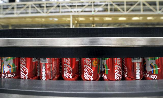 A Coca-Cola beszáll a marihuána-bizniszbe, nagyot esett az OTP