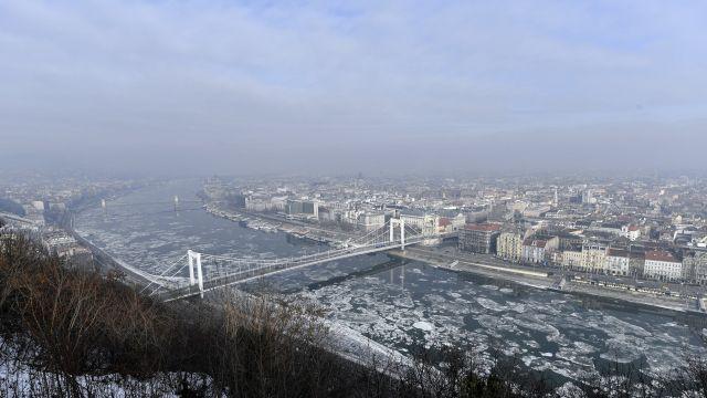 Fulladozik az ország - ki tehet arról, hogy ennyire pocsék a levegő?