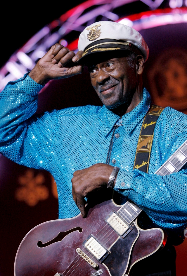 A legendás Chuck Berry egy 2009-es svájci koncerten. Fotó: EPA/Peter Klaunzer