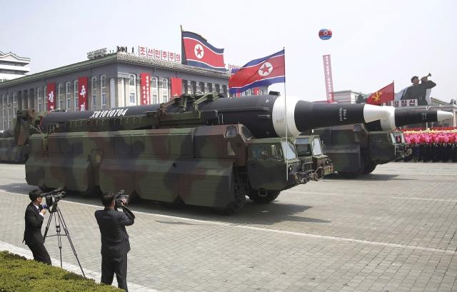 Az egész észak-koreai atomprogram olcsóbb, mint egy amerikai anyahajó