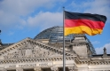 Bizalmas tárgyalásokkal próbálják megmenteni Merkel székét