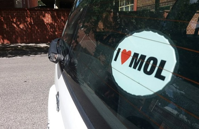 Szárnyal a Mol, gyógyul a forint