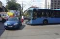 Így ment egymásba egy autó és egy busz Budapesten, 10 sérült