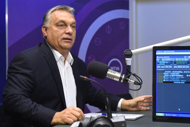 Orbán Viktor miniszterelnök a Kossuth Rádió stúdiójában.Forrás: MTI/Kovács Tamás