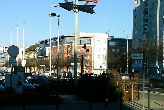 Friss hírek: Pár napja volt hír, hogy a rendőrség elfoglalta a szcientológusok Váci úti központját.