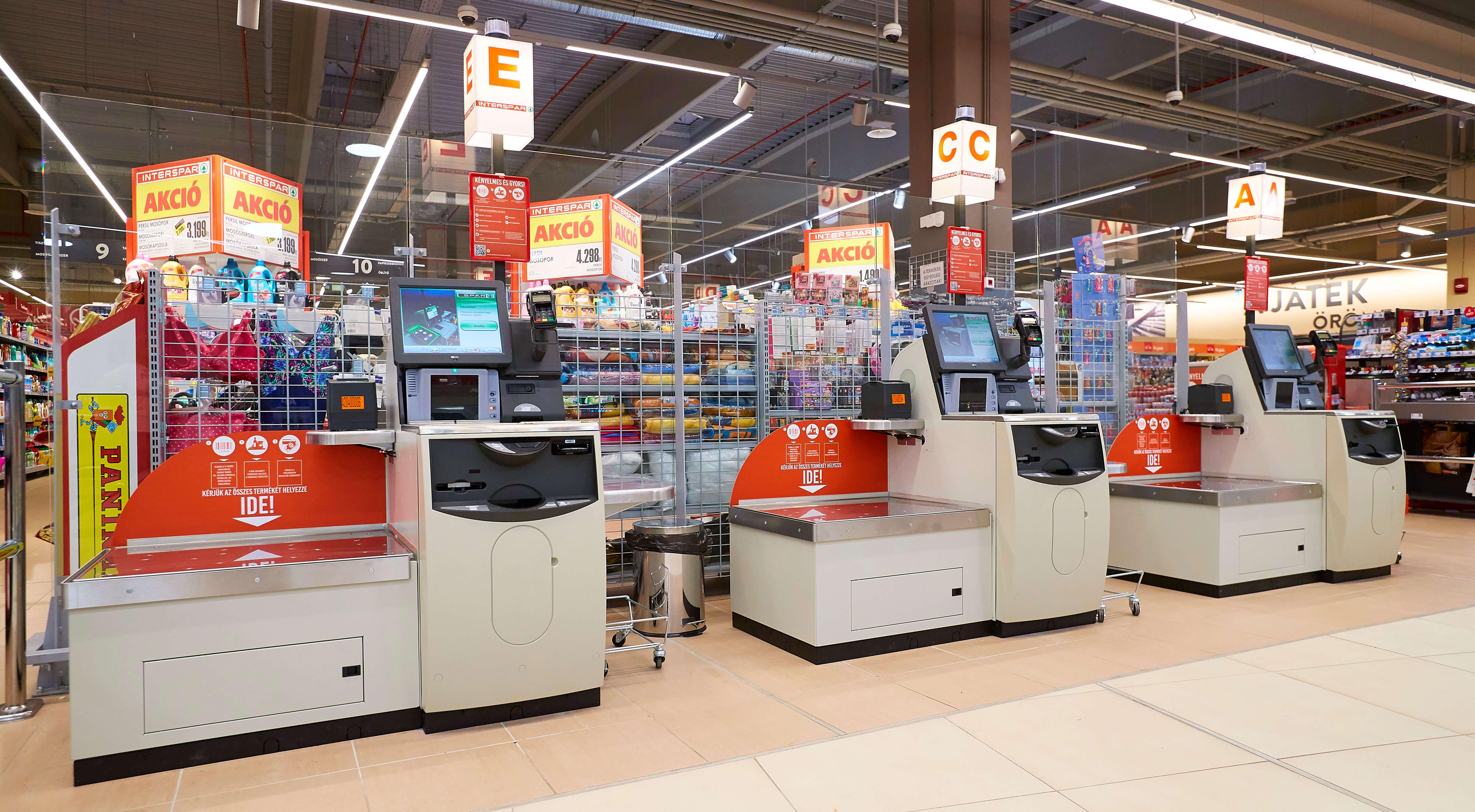 f75444ead7 A Spar Magyarország minőségi vevőkiszolgálást előtérbe állító  üzletpolitikájának lényege, hogy a mindenkori fogyasztói szokásoknak  maradéktalanul ...