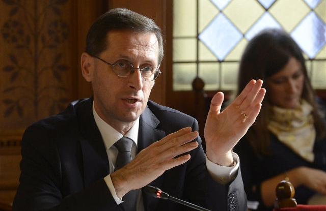 Varga Mihály nemzetgazdasági miniszter éves, szokásos beszámolóján az Országgyűlés gazdasági bizottsága ülésén a Parlamentben 2017. november 22-én. (Forrás: MTI Fotó, Soós Lajos)