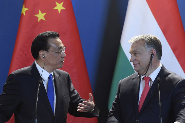 Orbán Viktor miniszterelnök és Li Ko-csiang kínai kormányfő az Országházban (Fotó forrása: MTI Fotó, Kovács Tamás)