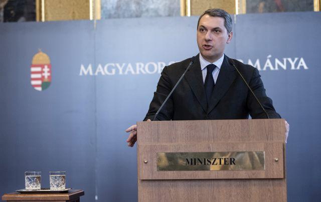 Lázár János, a Miniszterelnökséget vezető miniszter szokásos heti sajtótájékoztatóját tartja az Országházban 2018. január 18-án.  Forrás: MTI/Szigetváry Zsolt