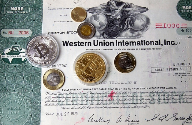 Western Union, forint, bitcoin. Melyik fog előbb kihalni? (Fotó: Eidenpenz József)