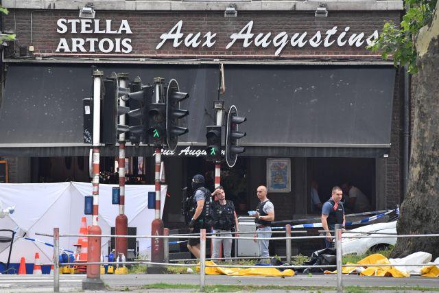 Rendőrök a Liege belvárosában elkövetett lövöldözés helyszínén 2018. május 29-én. Forrás: MTI/AP/Geert Vanden Wijngaert