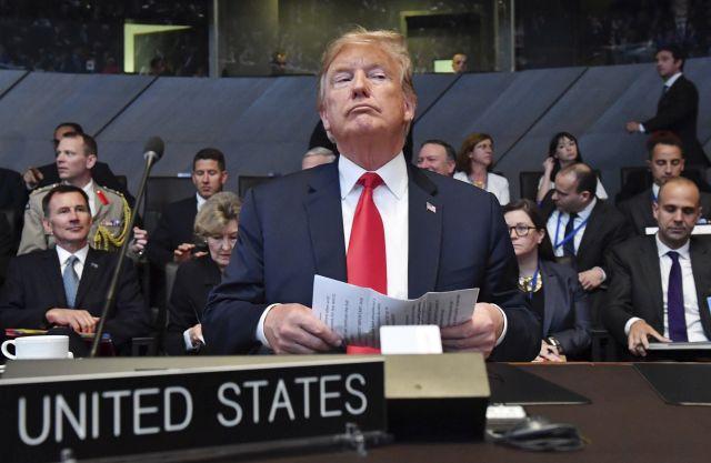 Donald Trump amerikai elnök a NATO kétnapos brüsszeli csúcsértekezletének nyitóülésén 2018. július 11-én. (Fotó: MTI/AP/Geert Vanden Wijngaert)