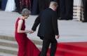 Trump hülyét csinált Mayből, aztán meghökkentő magyarázatot adott