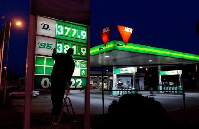 A benzin 5-7, a gázolaj 4-6 forinttal drágulhat péntektől