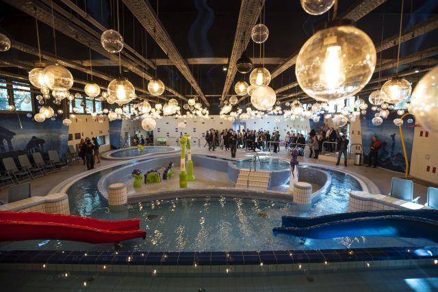 Élménymedence a csillaghegyi strandfürdő új fürdőegységében (Fotó: MTI/Mónus Márton)