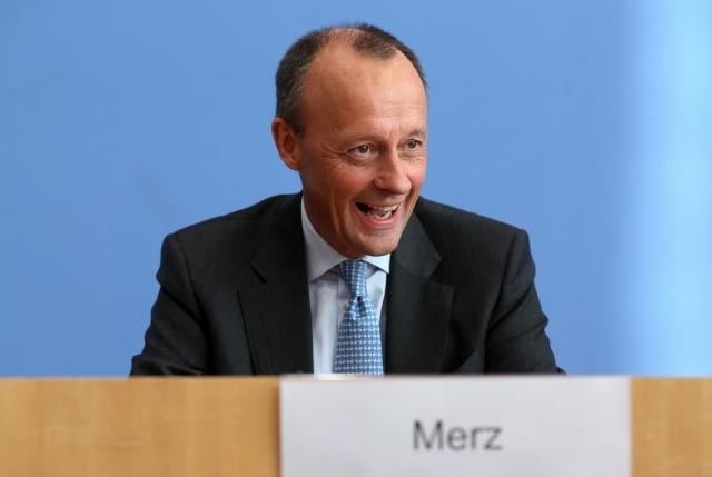 Friedrich Merz, a német Kereszténydemokrata Unióban (CDU) elnökjelöltje sajtótájékoztatót tart Berlinben 2018. október 31-én.MTI/EPA/Felipe Trueba