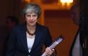 Meg akarják puccsolni a brit kormányfőt