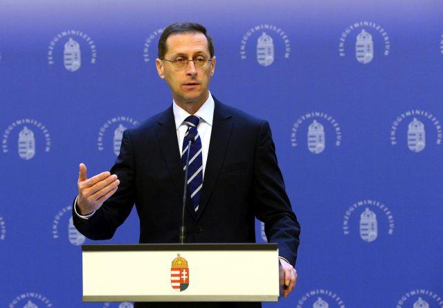 Varga Mihály pénzügyminiszter 2019. február 16-án a minisztériumban  sajtótájékoztatót tart abból az alkalomból e9500afdb9