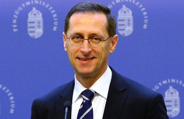 Budapest, 2019. február 16. Varga Mihály pénzügyminiszter 2019. február 16-án a minisztériumban sajtótájékoztatót tart abból az alkalomból, hogy az S&P egy fokozattal
