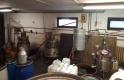 Illegálisan pancsolták a pálinkát: több száz liter alkoholt foglaltak le
