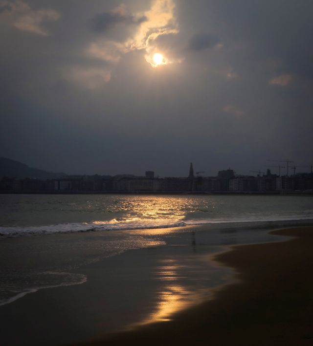 Sunrise at La Concha beach in San Sebastian, Basque Country, Spain, 12 April 2019. According to forecasts, temperatures will rise in San Sebastian during the day. EPA/Javier Etxezarreta