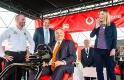 A nap képe: Orbán a kezébe vette a kormányt