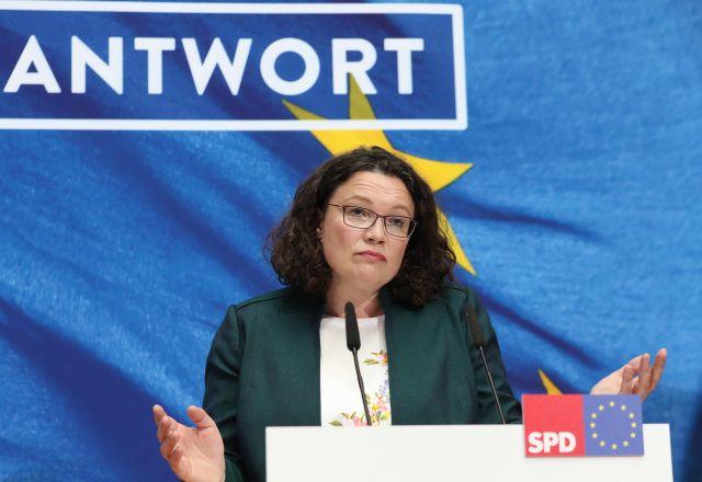 Andrea Nahles, a Német Szociáldemokrata Párt (SPD) elnöke és frakcióvezetője a párt berlini székházában 2019. május 26-án, az európai parlamenti választások estéjén.MTI/EPA/Hayoung Jeon