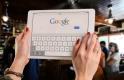 Tovább alkothatnak a Google zsenijei, őrült vágtában az OTP