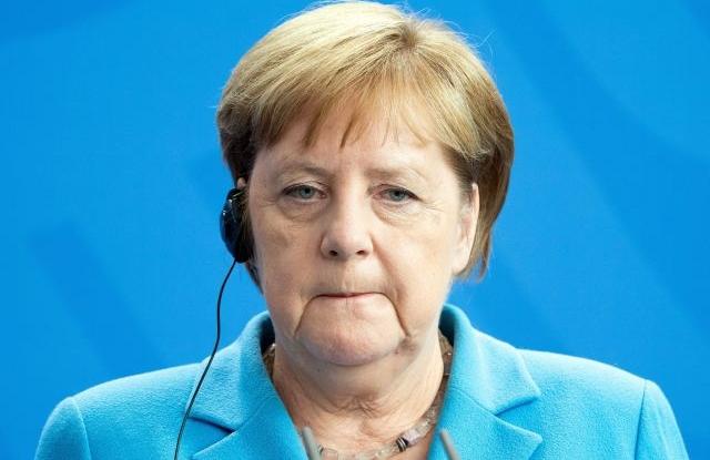 Rejtélyes rohamok: miért remeg a német kancellár?