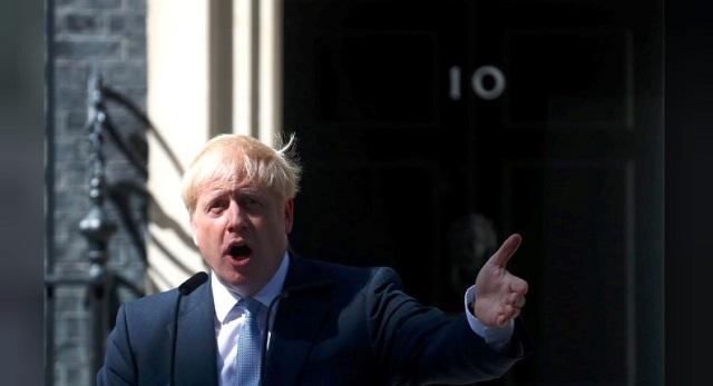 Boris Johnson megtartja első miniszterelnöki beszédét a londoni Downing Street 10. előtt 2019. július 24-én. (Fotó: Reuters)