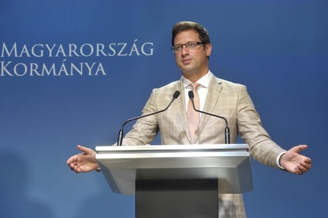 Gulyás Gergely Miniszterelnökséget vezető miniszter sajtótájékoztatót tart a Miniszterelnöki Kabinetiroda sajtótermében 2018. augusztus 14-én. MTI Fotó: Kovács Attila