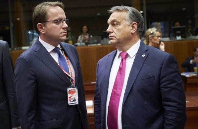 Várhelyi Olivér és Orbán Viktor. Forrás: MTI