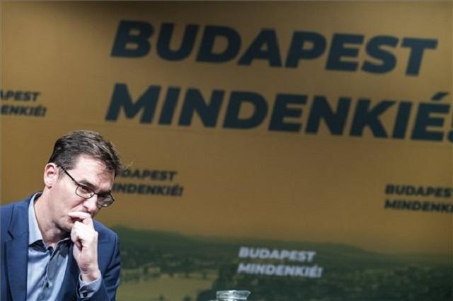 Karácsony Gergely megválasztott főpolgármester első nemzetközi sajtótájékoztatóján a VIII. kerületi Patyolat Bárban 2019. október 16-án. (Fotó: MTI/Mónus Márton)