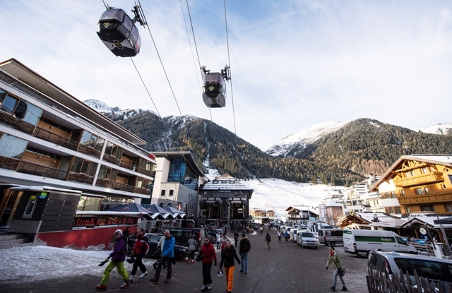 Skiing tourists in Ischgl, Austria, 29 November 2013 (reissued 14 March 2020). According to reports, the Austrian government has put popular touristic areas, Heiligenblut am Grossglockner, Paznautal, including Ischgl, and St. Anton under quarantine amid the ongoing Coronavirus crisis. EPA/STR AUSTRIA OUT